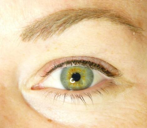 Permanent Makeup eyeliner after results
